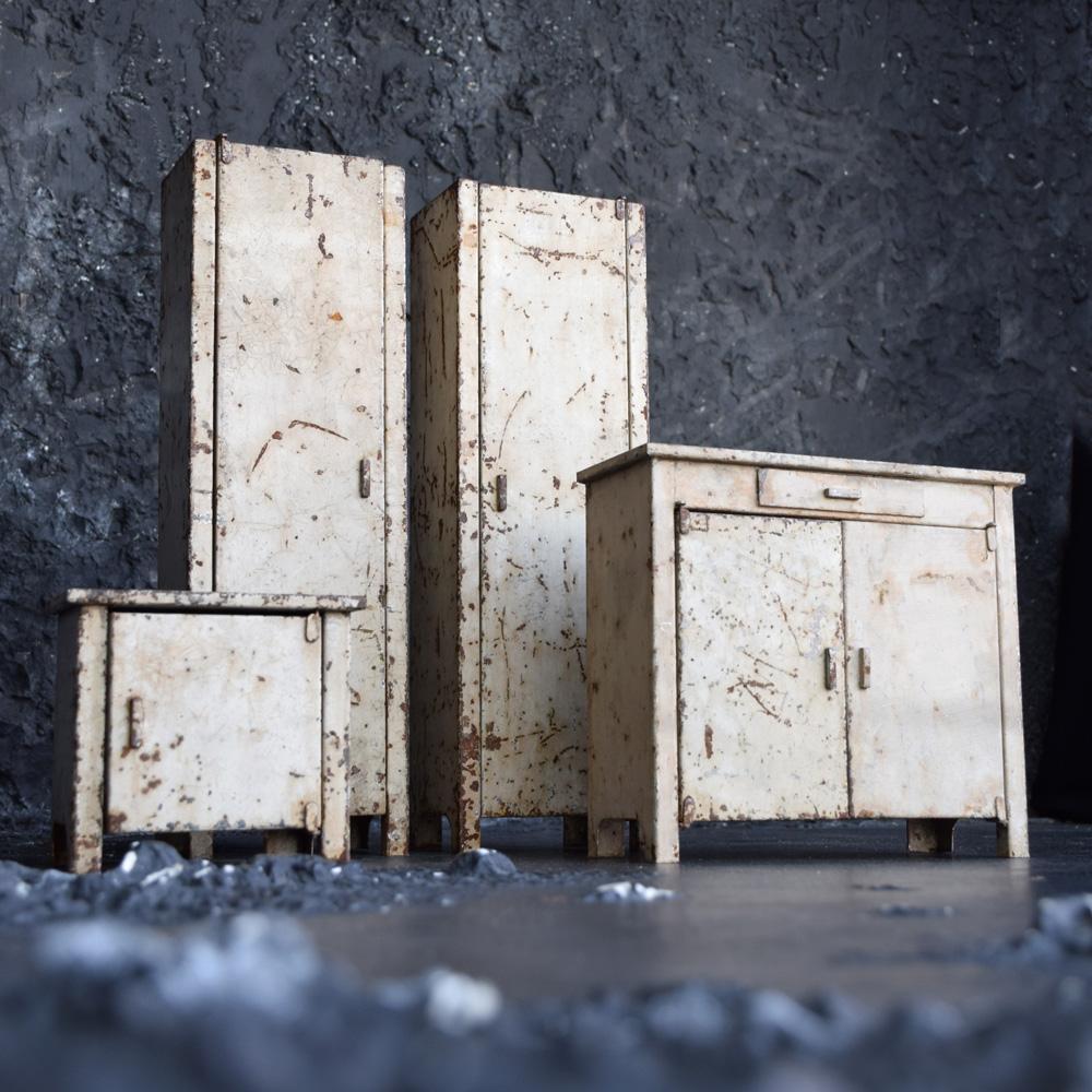Apprentice Furniture Examples