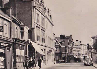 Streets-Ironmongers-13-East-Street-Havant-Hampshire-old-postcard
