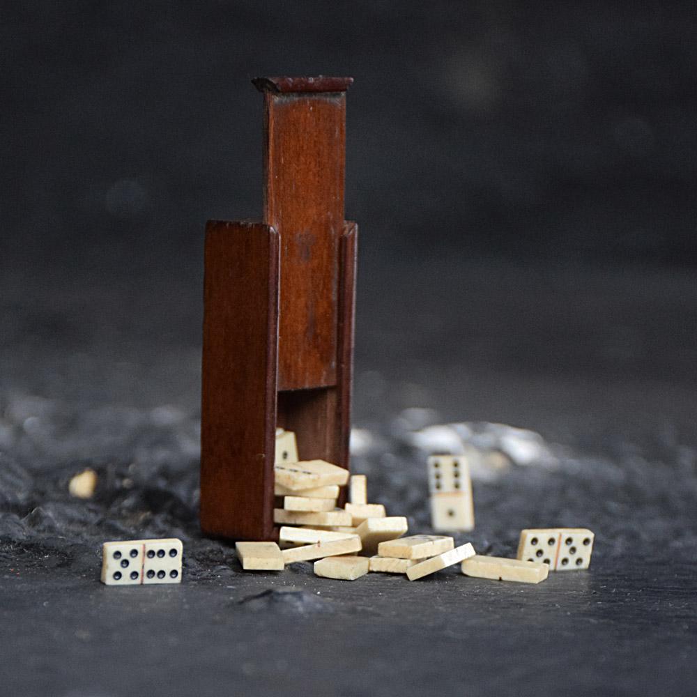 POW Dominos